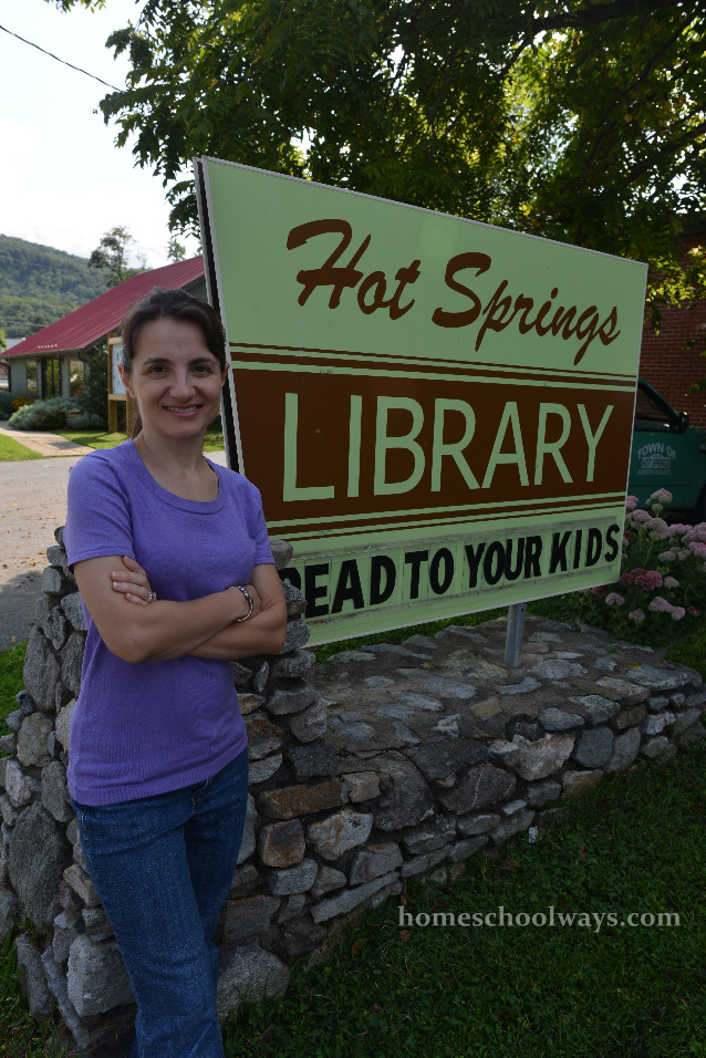 Read to your kids sign @ Hot Springs Library