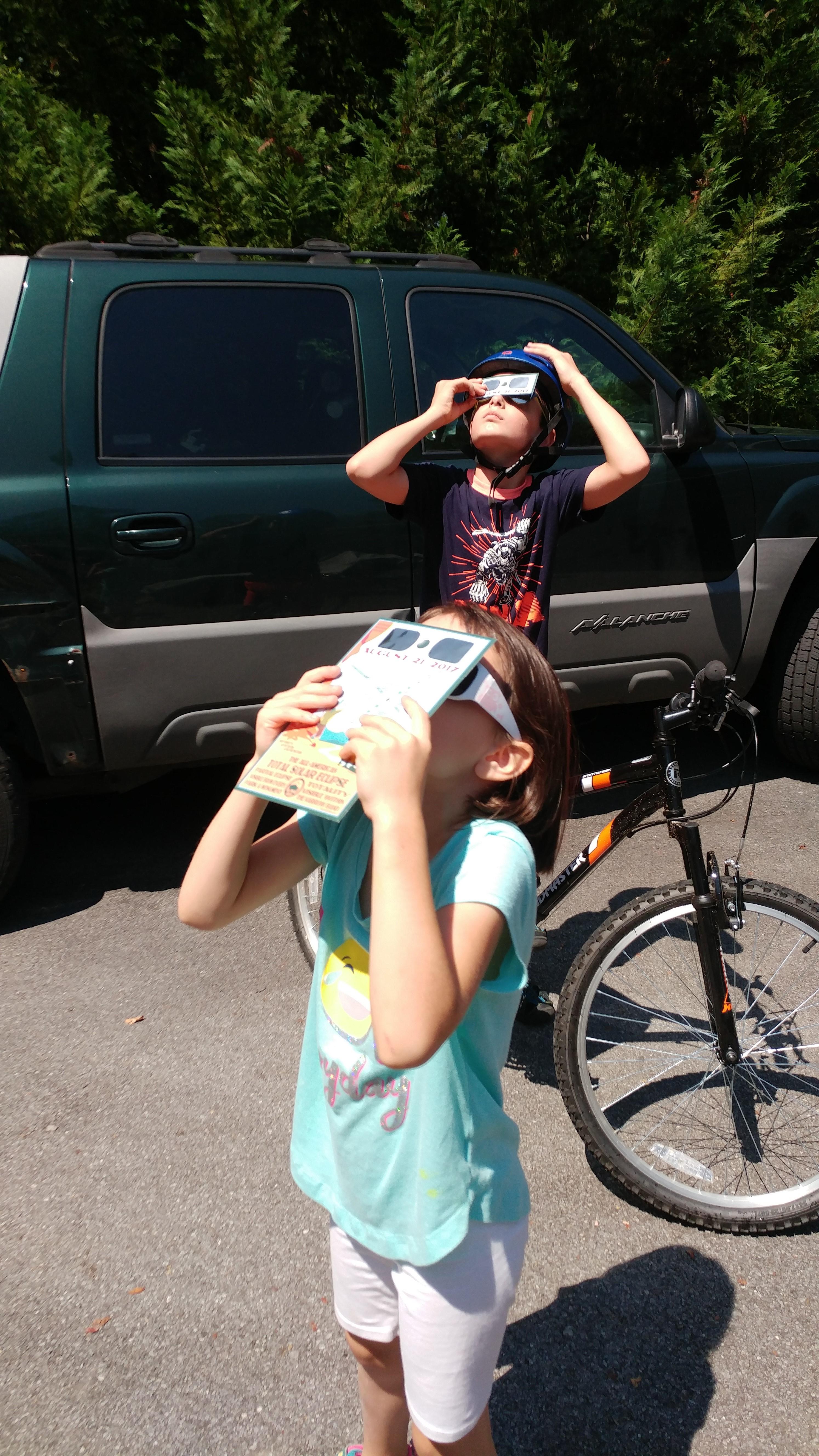 Solar eclipse visors