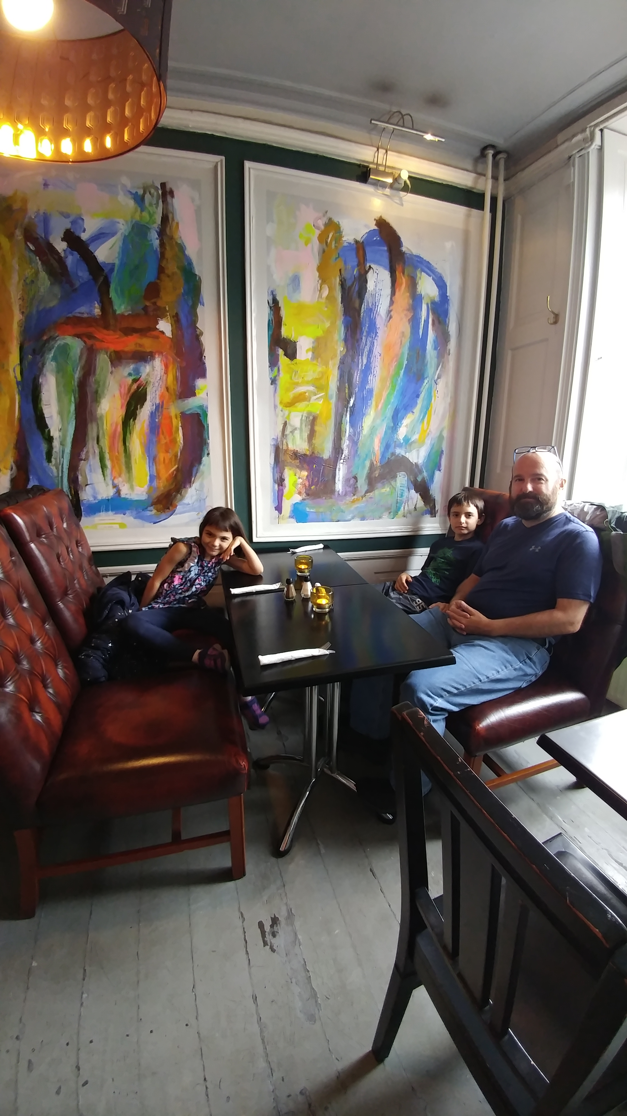 Father and children in restaurant