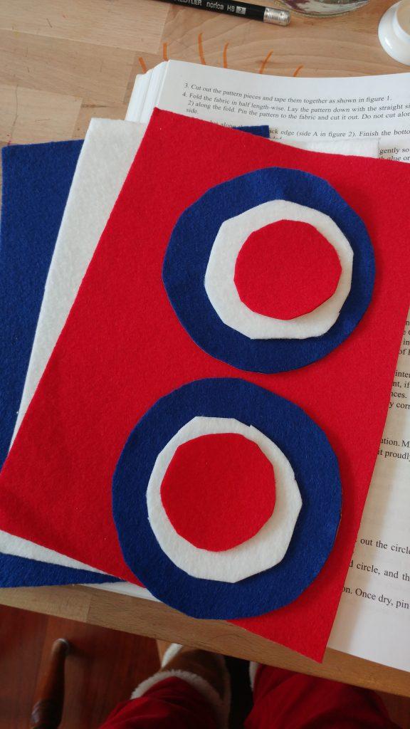 Tricolor felt buttons